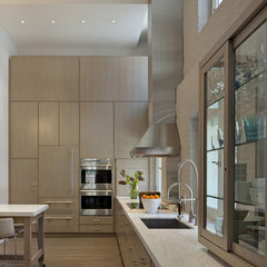 modern kitchen by David Howell Design