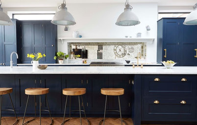 An Industrial-Chic Family Kitchen in Navy and White