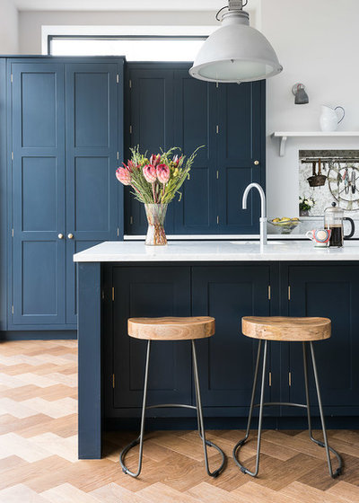 Bar Stool Inspiration For Traditional Kitchens