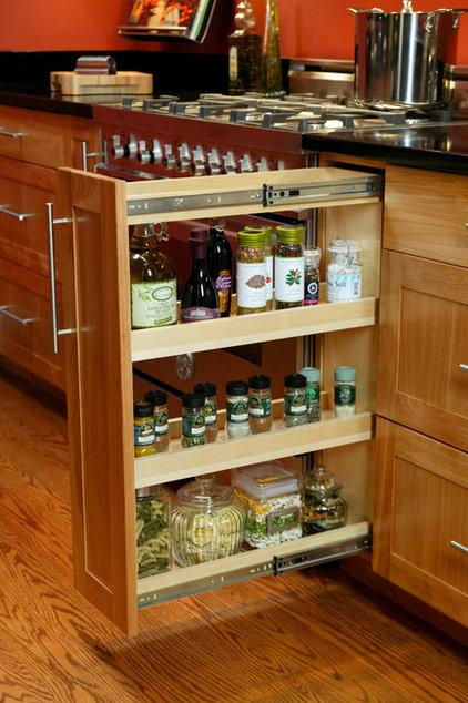 Contemporary Kitchen by Trish Namm, Allied ASID - Kent Kitchen Works