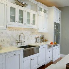 Modern Kitchen by Trish Namm, Allied ASID - Kent Kitchen Works