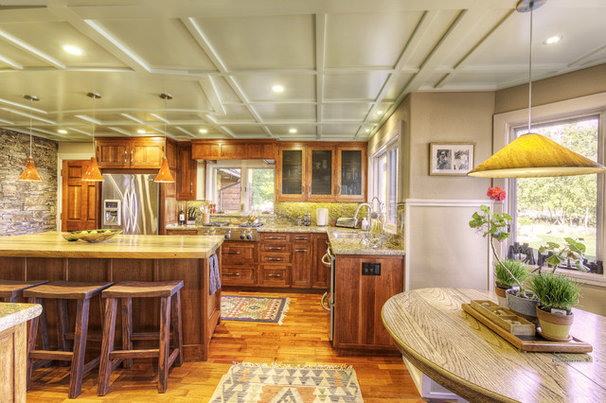 Traditional Kitchen by Bratt Brothers Construction, Inc.