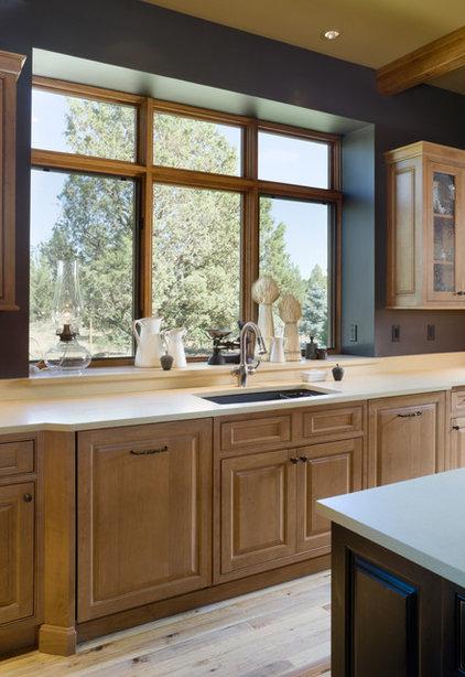 Rustic Kitchen by Alan Mascord Design Associates Inc