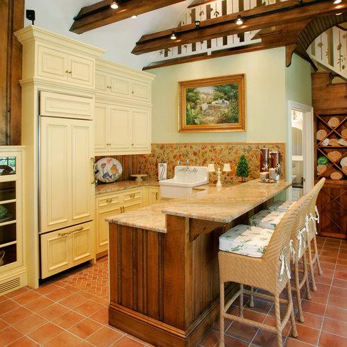 Farmhouse Split Level Kitchen Design Ideas Remodel Pictures Houzz
