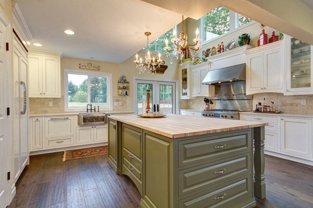 Traditional Kitchen by Sitka Projects