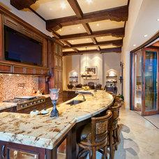 Southwestern Kitchen by Robinette Architects, Inc.