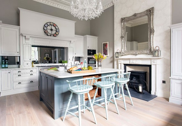 Transitional Kitchen by Sculleries of Stockbridge