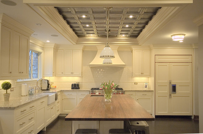 Traditional Kitchen by Rogers Krajnak Architects