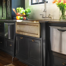 Traditional Kitchen Sinks by Panageries