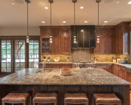 Rustic Eat In Kitchen Ideas   Mountain Style L Shaped Medium Tone Wood Floor