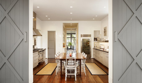 Houzz Tour: A Modern Home With a Laid-back, Farmhouse Feel in Texas