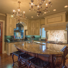 Traditional Kitchen by Wayne Bernskoetter Construction