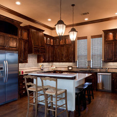 Traditional Kitchen by Scarlett Custom Homes & Remodeling
