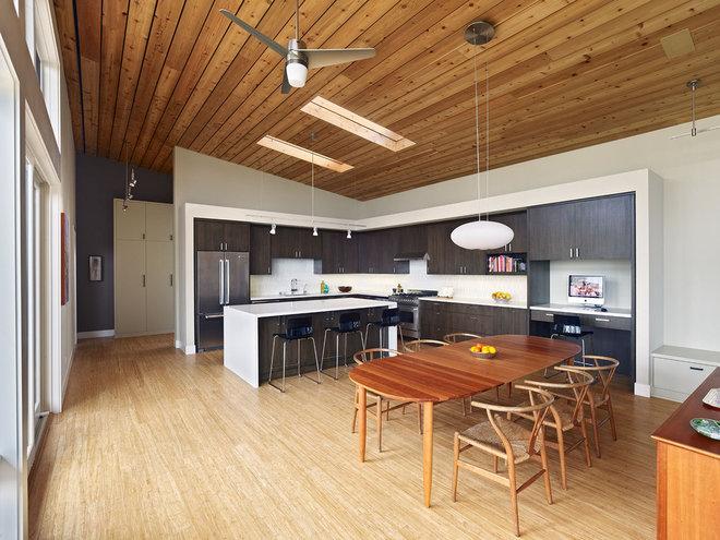 Modern Kitchen by Boor Bridges Architecture