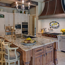 Mediterranean Kitchen by Great  Falls Distinctive Interiors Inc.