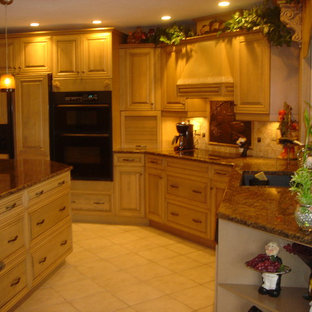 Tuscan Entertaining Kitchen Layout