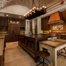 Mediterranean Kitchen by Eklektik Interiors
