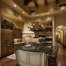 Mediterranean Kitchen by R.J. Gurley Custom Homes