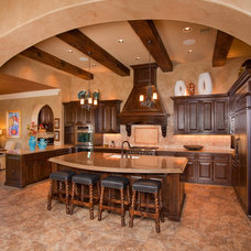 Mediterranean Kitchen by Jim Boles Custom Homes L.L.C.