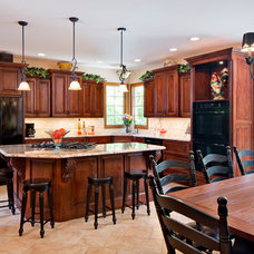Traditional Kitchen by Carpets Plus/ Cabinets Plus of Saint Louis