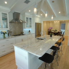 contemporary kitchen by Lamar Design