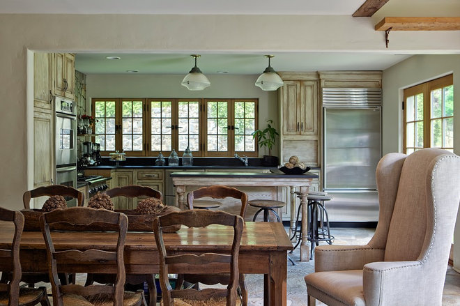 Rustic Kitchen by TRIO Environments