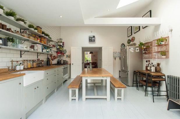 Kitchen by Morgan Harris Architects Ltd