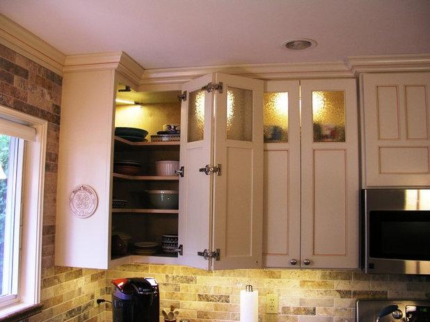 Классический Кухня by GEOWEN Custom Carpentry, Inc