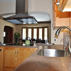 Traditional Kitchen by Kitchens Made Simple