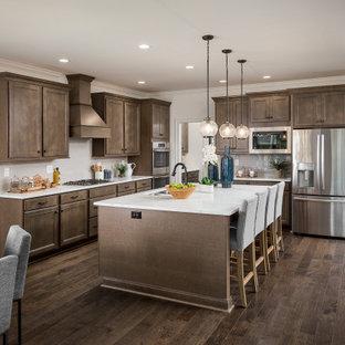 Traditional kitchen designs - Kitchen - traditional kitchen idea in Louisville