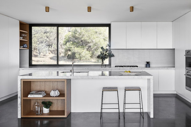 Contemporary Kitchen by Tom Robertson Architects