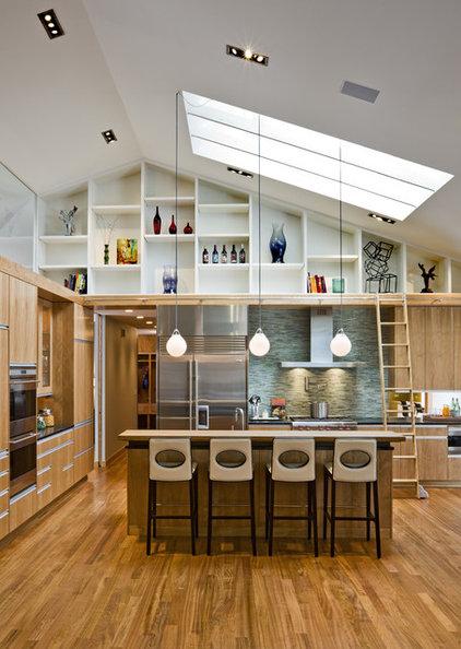 Kitchen by Peterssen/Keller Architecture