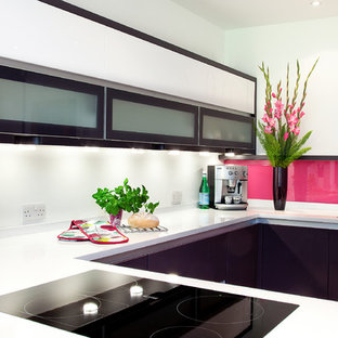 U-shape kitchen, carefully planned for convenience and practicality