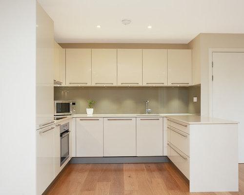 Modern u shaped kitchen kitchen design ideas renovations for U shaped bedroom cupboards
