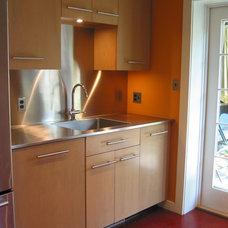 Modern Kitchen by William L.  Feeney Architect LLC