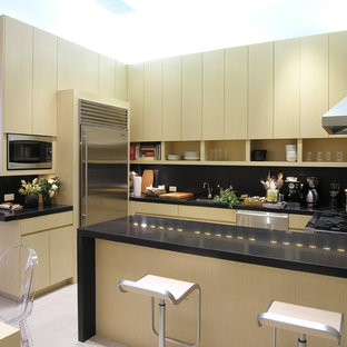 Modern Eat In Kitchen Pictures Example Of A Minimalist U Shaped