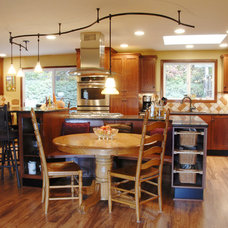 Traditional Kitchen by Corvallis Custom Kitchens & Baths