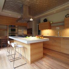 Modern Kitchen by Hammer & Hand