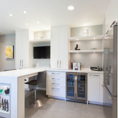 contemporary kitchen by Kenorah Construction & Design Ltd
