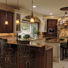 Traditional Kitchen by Shea Studio Interiors, Inc