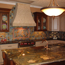 Traditional Kitchen by DaVinci Floors & Granite