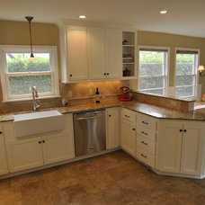 Traditional Kitchen by Roloff Construction, Inc