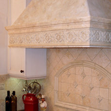 Traditional Kitchen by Anna Murphy Design & Interiors