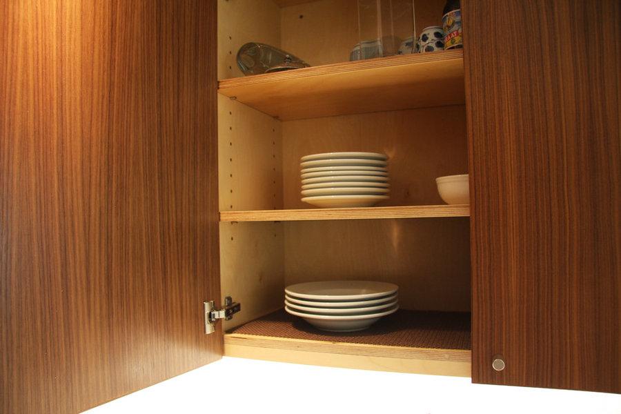 Upper cabinet detail