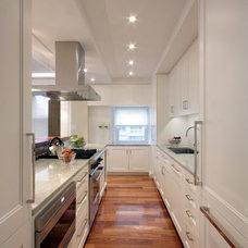 Traditional Kitchen by Korts & Knight, Kitchens by Alexandra Knight