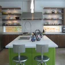 Contemporary Kitchen by GABRIEL HOME BUILDERS INC