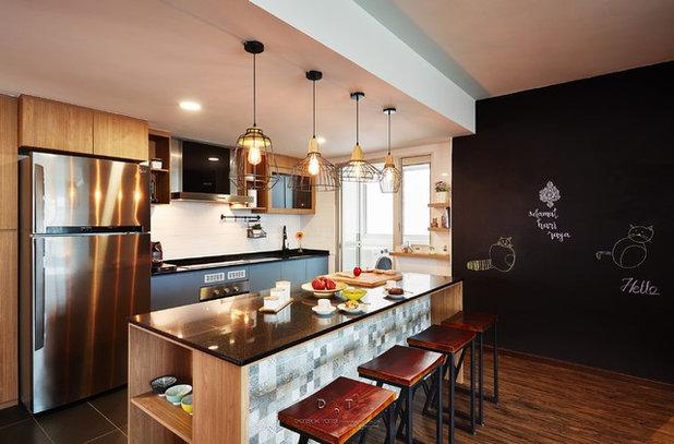 Scandinavian Kitchen by DOTS N TOTS INTERIOR GROUP PTE LTD