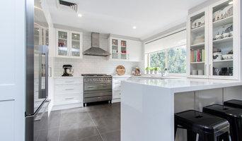 Upscale Hampton Style Kitchen