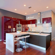 Contemporary Kitchen by DM Designs