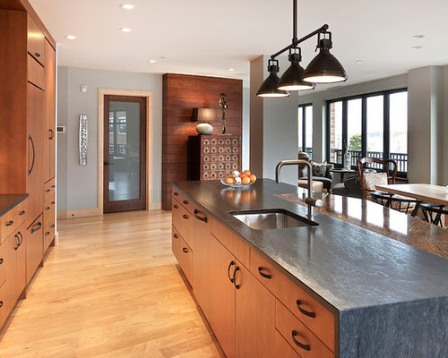 Design ideas for a mid-sized industrial single-wall eat-in kitchen in ...